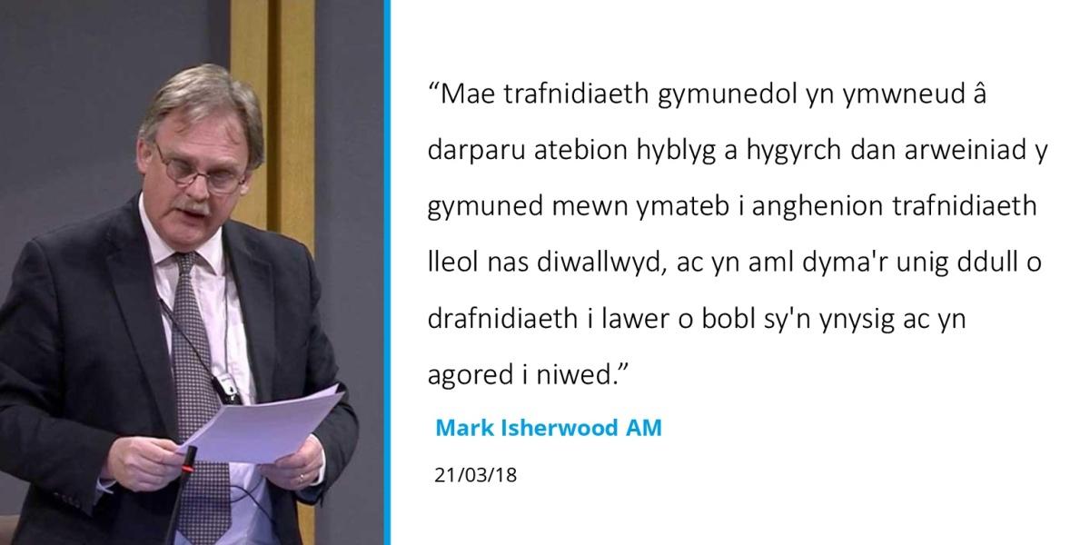 Dadl Cynulliad Cymru yn dathlu cludiant cymunedol ac yn galw am ragor o gefnogaeth i'rsector